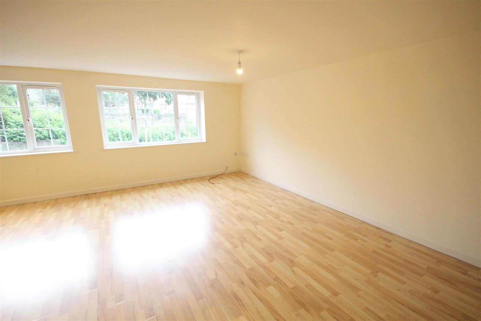 2 bedroom apartment For Sale in Colne - IMG_3448.jpg